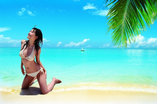 Beach bikini beautiful women PSD