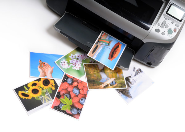 What can you get from a good and recognized online photo printing service?