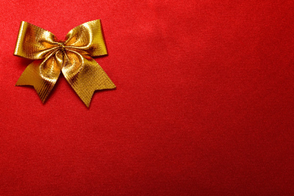 Red cloth with gold bows HD pictures