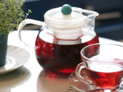 Black tea Teapot and Teacup HD pictures