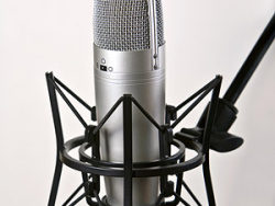 Microphone for recording picture material