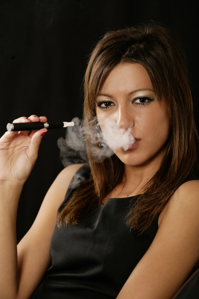 Beautiful women smoking pictures download