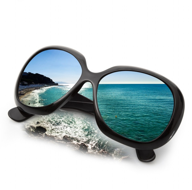 Black framed Beach landscape pictures