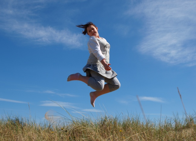 Girls jumping picture download