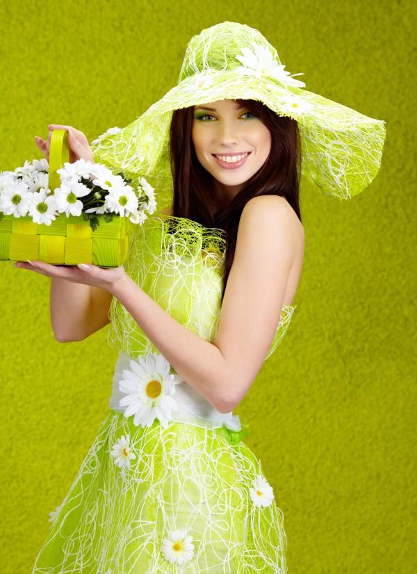 Green Chrysanthemum girls pictures download