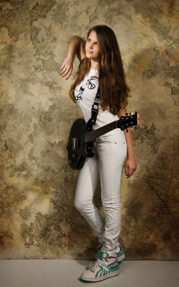 HD guitar girls pictures download