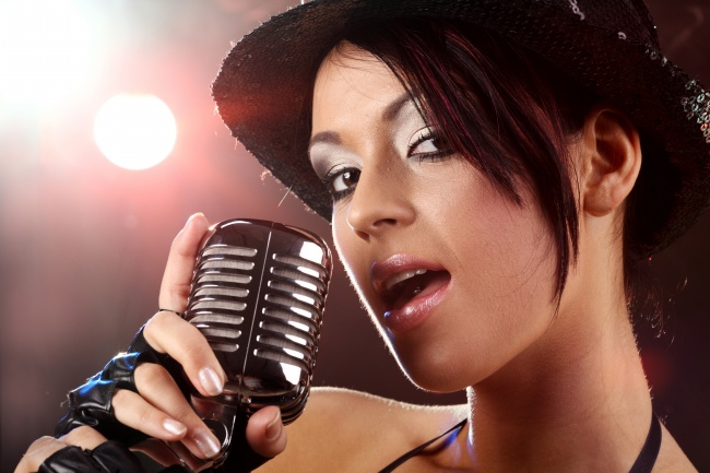 Singing girls pictures download