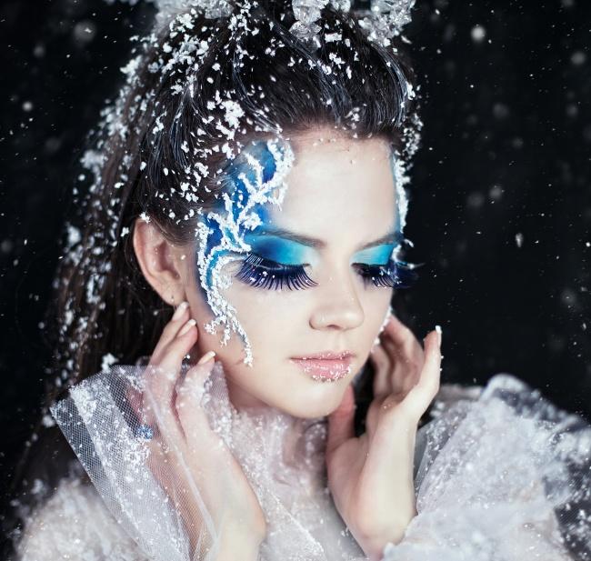Snowflake blue eye makeup girls pictures