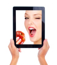 Eat Apple iPad screen beauty pictures