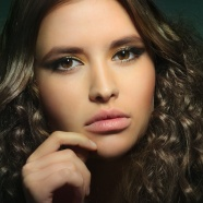 Europe beauty fashion hair style image