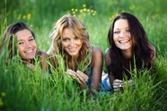 Grassland girls pictures HD download