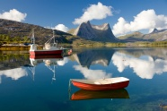 Natural beauty boat scenic pictures